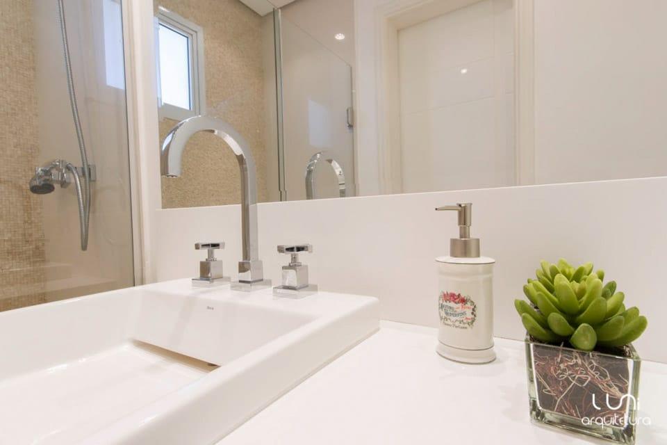 Banheiro Suite Master Casal com pastilhas nicho