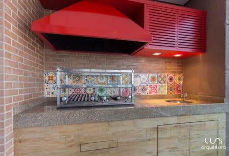 Varanda Gourmet com churrasqueira em apartamento Brooklin Luni ARQUITETURA