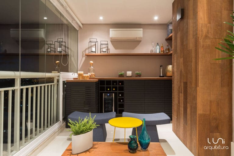 Varanda Gourmet com adega e barapartamento Morumbi - Luni Arquitetura